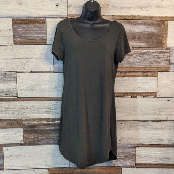 Heart & Hips Dresses & Skirts - Curved Hem Little Green Dress w/ Laced Back sz L